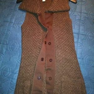 A. Giannetti Sleeveless Sweater Cardigan Vest